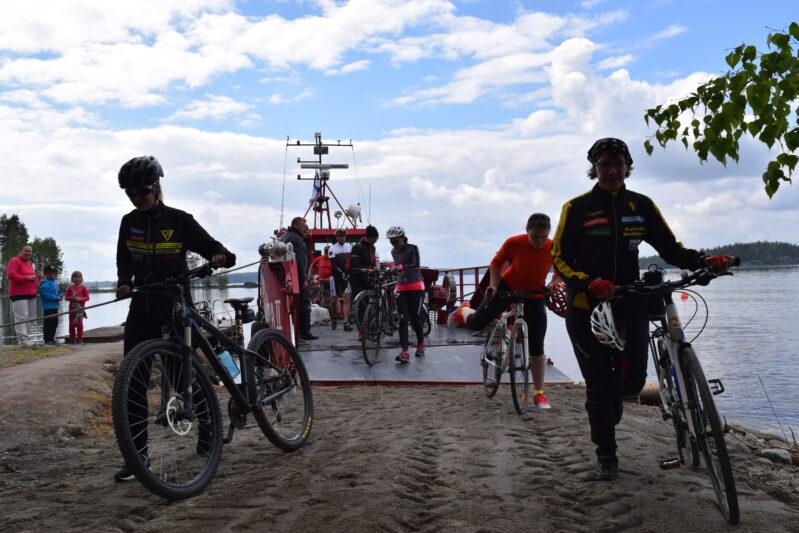 Pyöräilyreitti Saimaalla Puumalassa